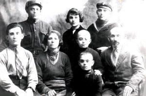 Семья Дубновых. Давид — самый младший
