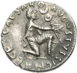 Римская монета с изображением коленопреклоненного парфянина, возвращающего римлянам боевой значок.