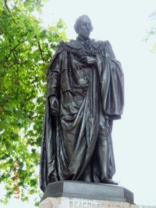 Граф Биконсфилд. Памятник