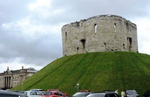 Clifford Tower XXI век.