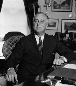 Франклин Делано Рузвельт — гордый взгляд, перстни на мизинцах