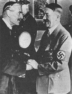 Премьер-министр Великобритании Чемберлен и Гитлер. Мюнхен, 1938