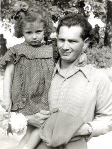 Юрий Вайншток с дочкой Галей. 60-е годы