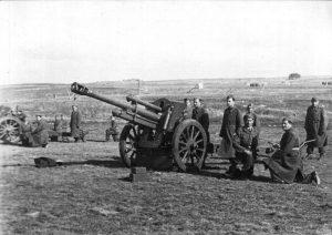 Артиллеристы Бригады Чехит на секретной военной базе в Чехословакии перед отправкой в Израиль. 1948г.