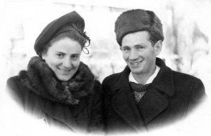 Молодожены. Мария Наумовна Чернова и Юда Менделевич Вайншток. Харьков. 1951г.