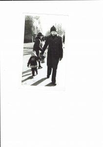 С дочкой Лией по ул. Ленина
