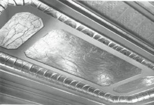 Оформление потолка в Lentheric Perfume Salon в нью-йоркском отеле Savoy-Plaza Hotel.
