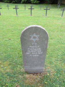 Франция, Дюн сур Меюсе. Могила Rudolph Fuldauer, на немецком военном кладбище