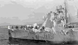 Английский эсминец в порту Мурманска