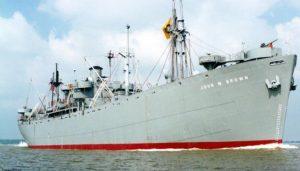 """Так выглядел корабль серии """"Либерти"""". Все его вооружение составляли две 105-мм пушки, одна на носу, вторая на корме."""