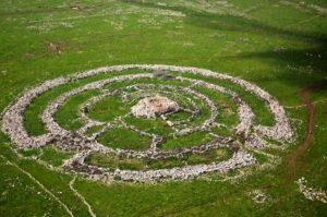 Мегалит-кромлех Колесо Гигантов (Руджм эль-Хири) на Голанских высотах