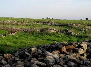 Фрагмент полуразрушенных валов Кромлеха (все фото по Кромлеху из открытых источников)