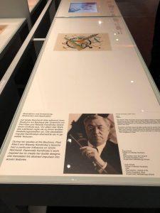 2. В новом музее Баухауса