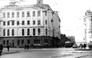 В этом здании на ул. Гамарника, 2 находилась гимназия