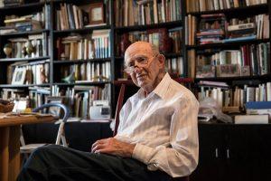Иосиф Хармац в своём Тель авивском доме