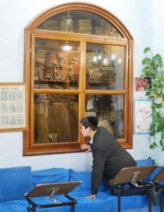Старинные книги и свитки в Цфате