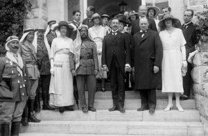 Мистер и миссис Уинстон Черчилль в Иерусалиме, с сэром Гербертом Самуэлем и эмиром Абдуллой
