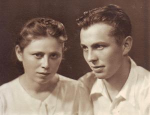 Ирина и Михаил Бронштейн. Июль 1945, Таллин (из семейного архива)